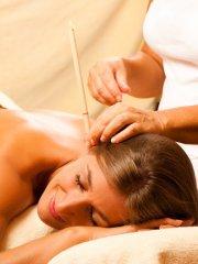 Die Durchblutung, der Lymphabfluss und die Abwehr werden gefördert und hilft somit gegen Erkältungen oder Ohrendruck.